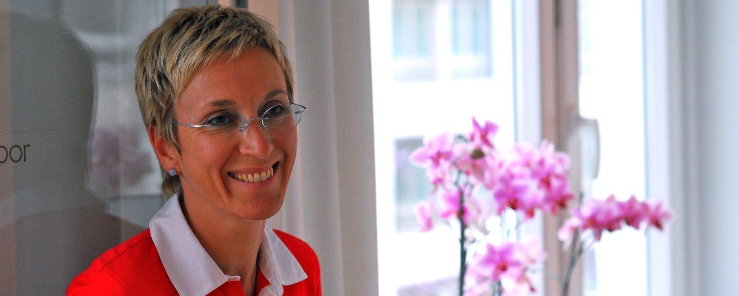 Urologie Stadtzentrum - Praxis Dr. Alschibaja in München - Angelika Schmidt